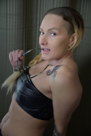 Korotoumou escorts & nuru massage