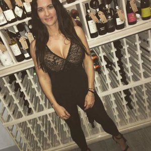 Kenna escort girl in Hialeah