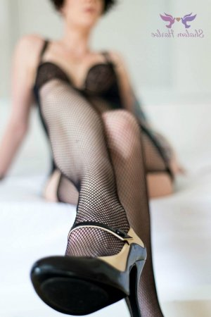 Brunilde escort and thai massage